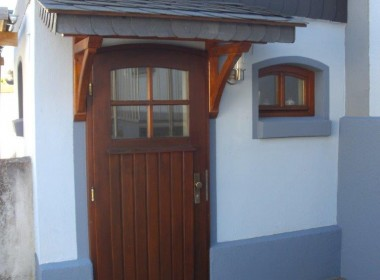 Außenansicht Eingang Nebengebäude