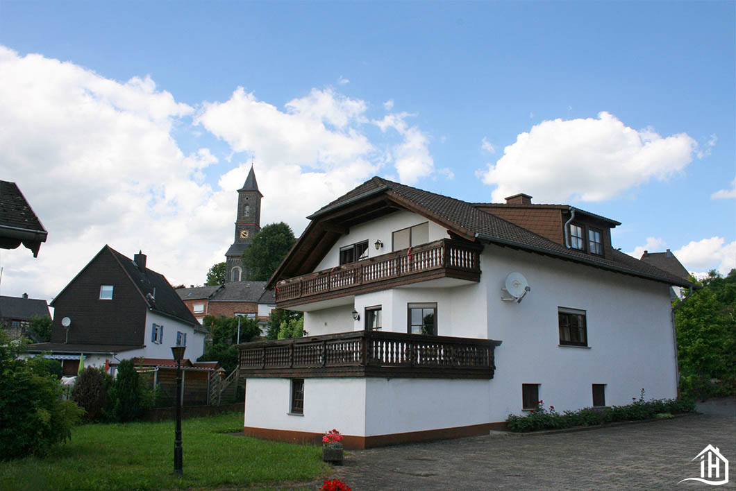 Immobilien Hahnefeld 97104829 Hausansicht